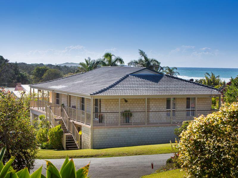 11 Ocean View Crescent, Emerald Beach, NSW 2456