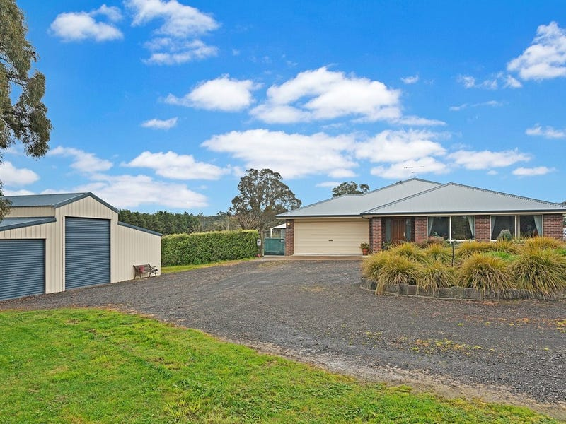 7 Knox Court, Wandong, Vic 3758
