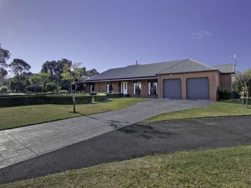 29 Timbarra Drive, Eastwood, Vic 3875