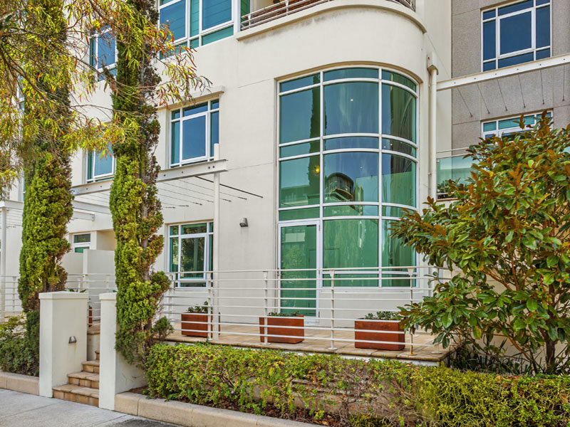 34 Danks Street West, Port Melbourne, Vic 3207