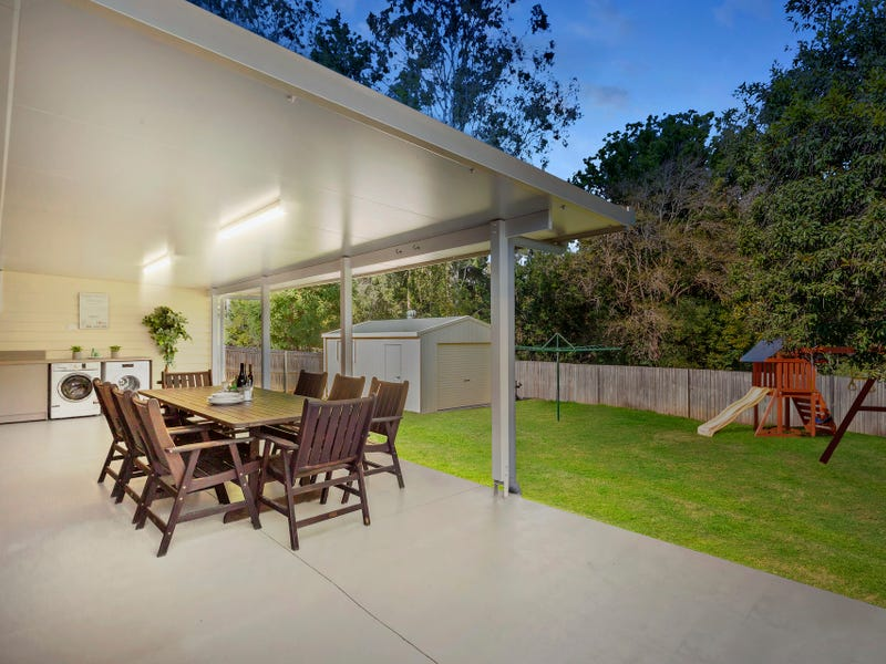24 Oxley Circuit, Daisy Hill, Qld 4127
