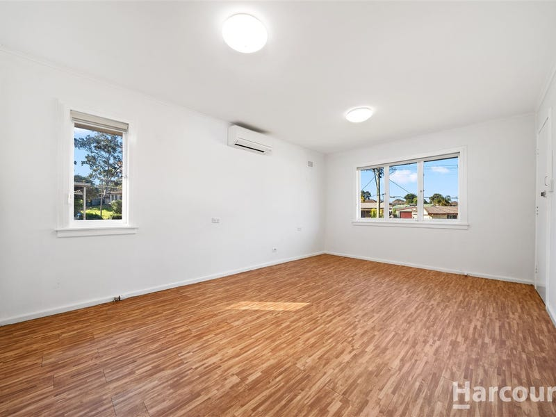 9 Dalkeith St, Busby, NSW 2168