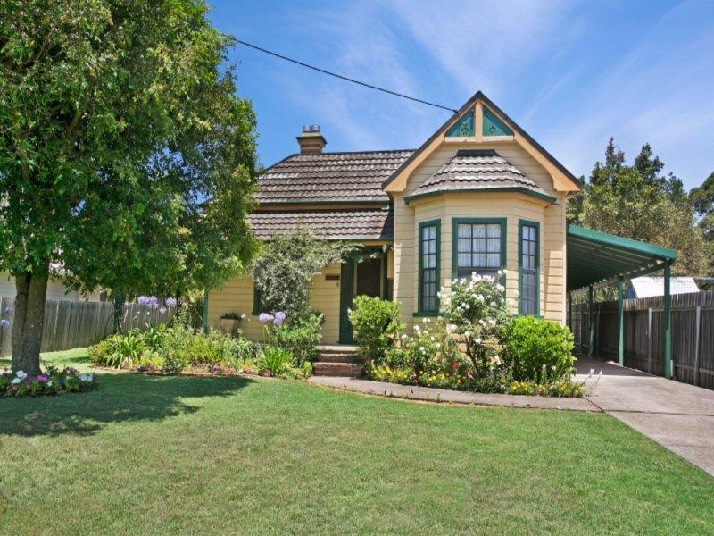 17 Largs Avenue, Largs, NSW 2320