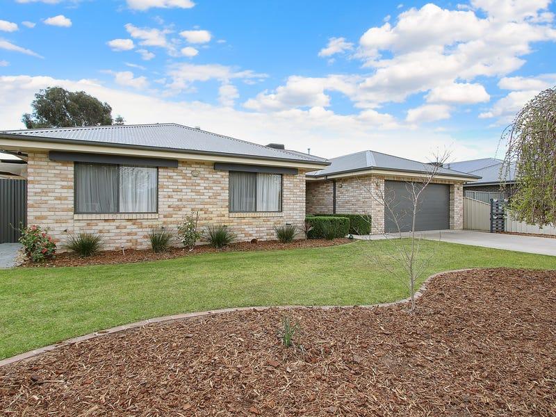 169 Golf Club Drive, Howlong, NSW 2643