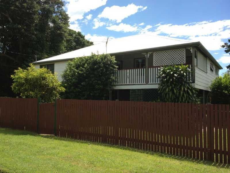 6 Drew Street, Finch Hatton, Qld 4756
