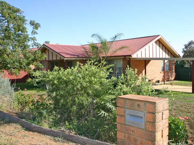 3 Gallipoli Avenue, Junee, NSW 2663