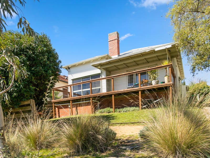 704A Neill Street, Soldiers Hill, Vic 3350