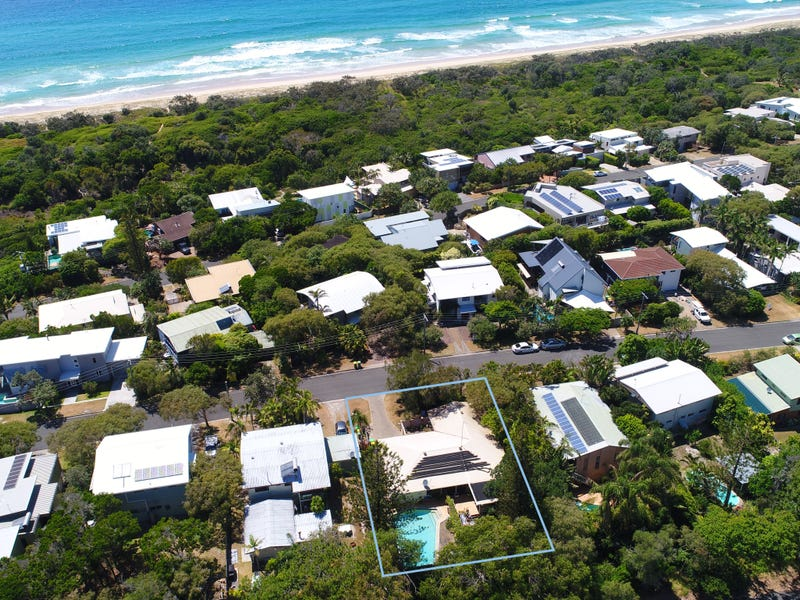 8 Callitris Crescent, Marcus Beach, Qld 4573