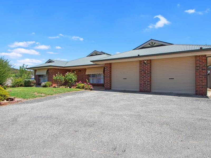 17 Hentschke Place, Clare, SA 5453