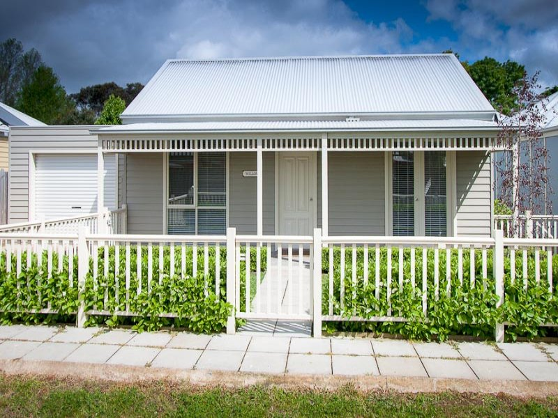 18 Zeal Street, New Gisborne, Vic 3438