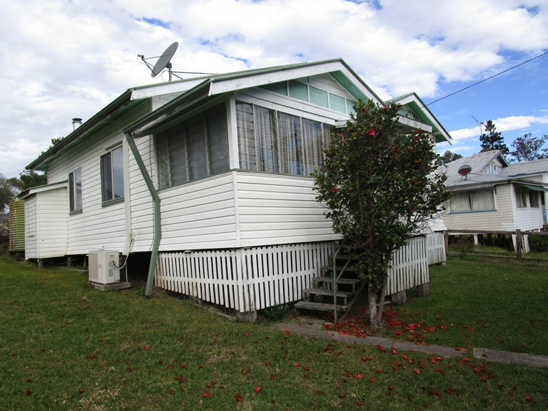 31 Roseberry St, Woodenbong, NSW 2476