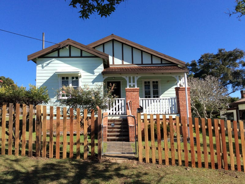 102 TOZER STREET, West Kempsey, NSW 2440