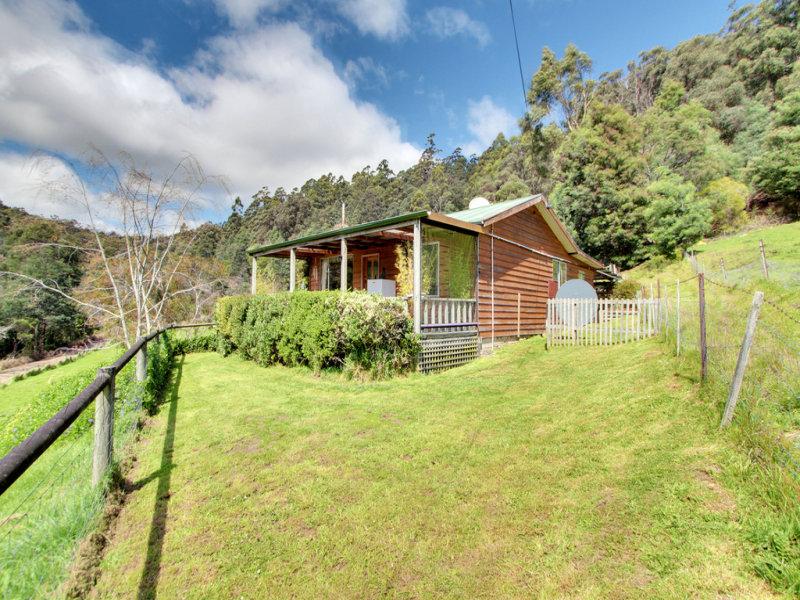 8  Blue Gum Road, Gardners Bay, Tas 7112