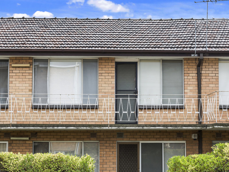 16/2 Stenhouse Avenue, Brooklyn, Vic 3012