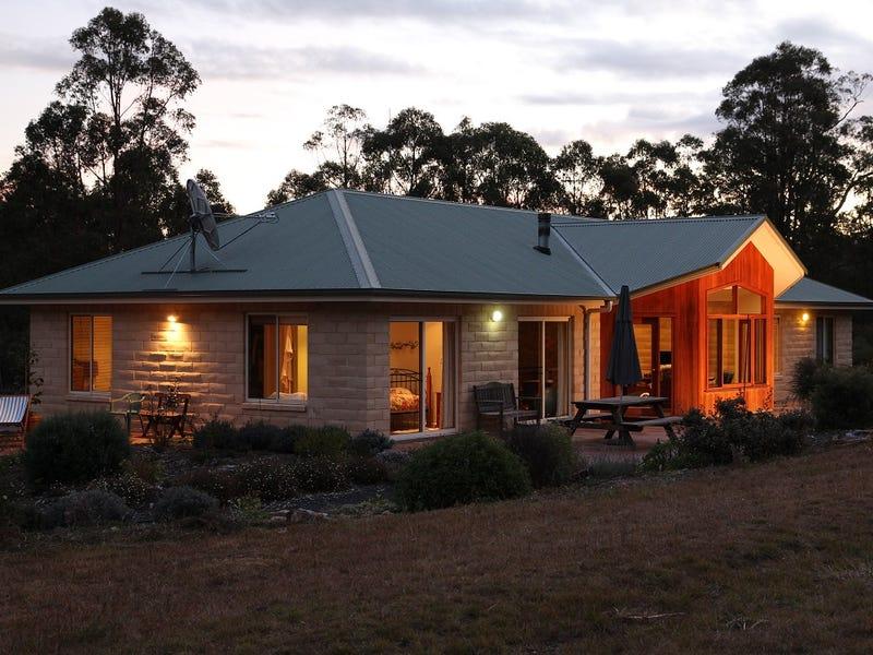 137 Ursula Road, Armidale, NSW 2350