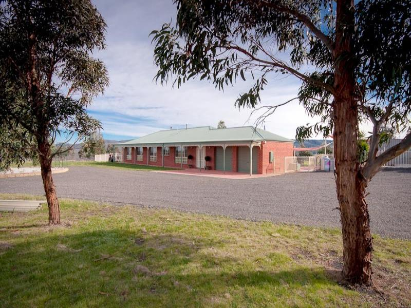 1664 Bacchus Marsh Road, Bullengarook, Vic 3437