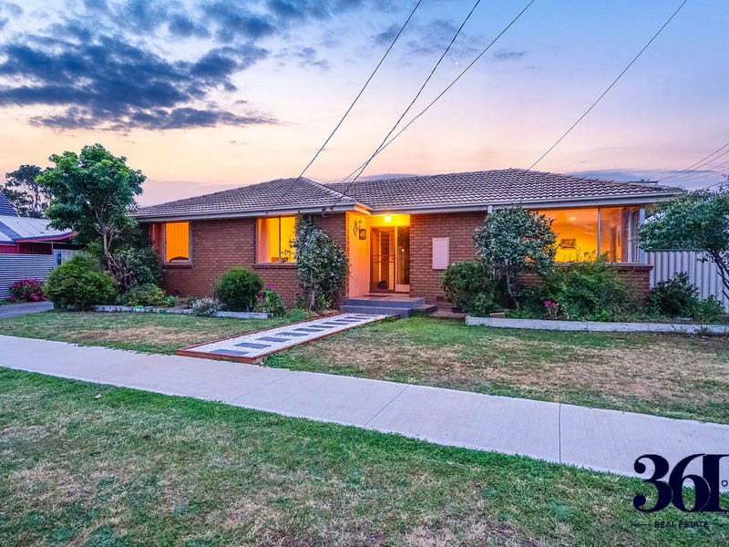 18 Elizabeth Avenue, Werribee, Vic 3030