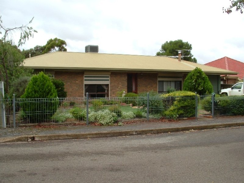 2 Spur Street, Saddleworth, SA 5413