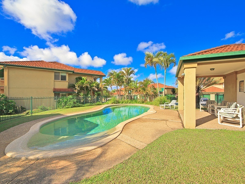 111/152 Palm Meadows Drive, Carrara, Qld 4211
