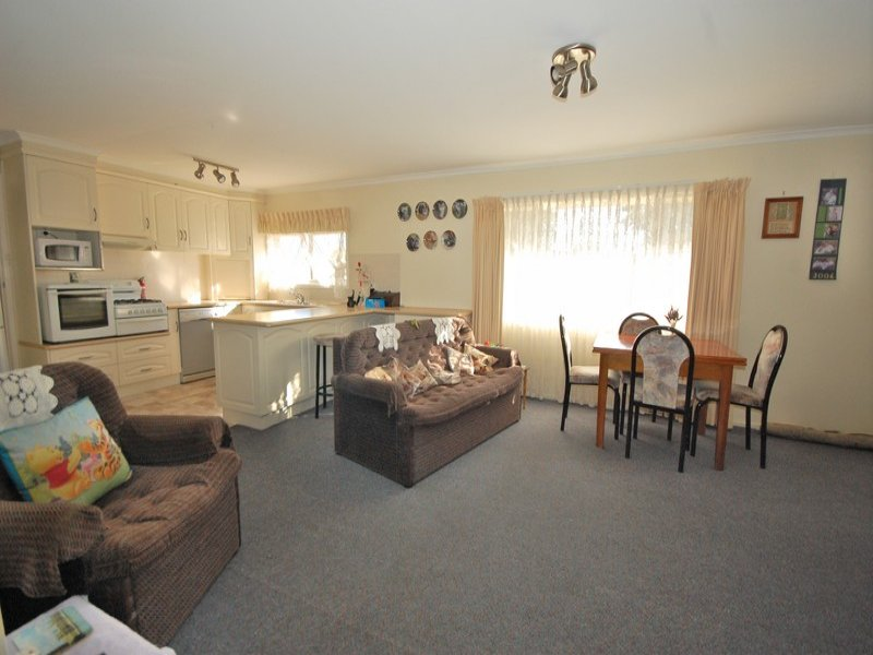 10 Bellbird Street, Coleambally, NSW 2707