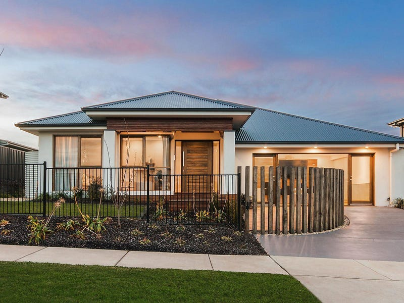 11 Dot Butler Street, Wright, ACT 2611