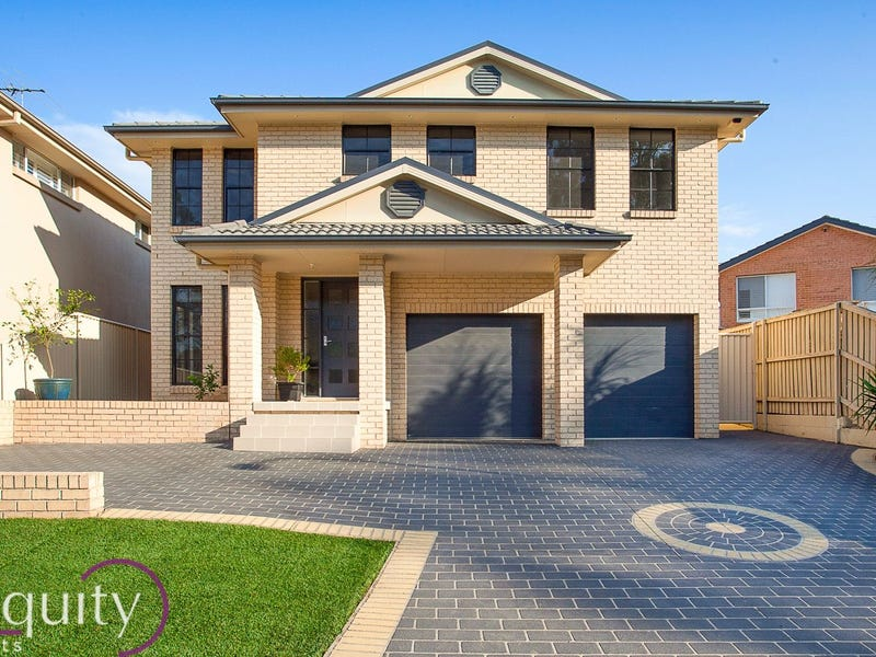 17 Sammut Crescent, Chipping Norton, NSW 2170