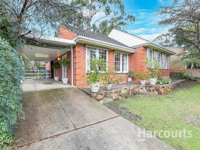 7 Heather Ave, (adj. Rostrevor), Woodforde, SA 5072