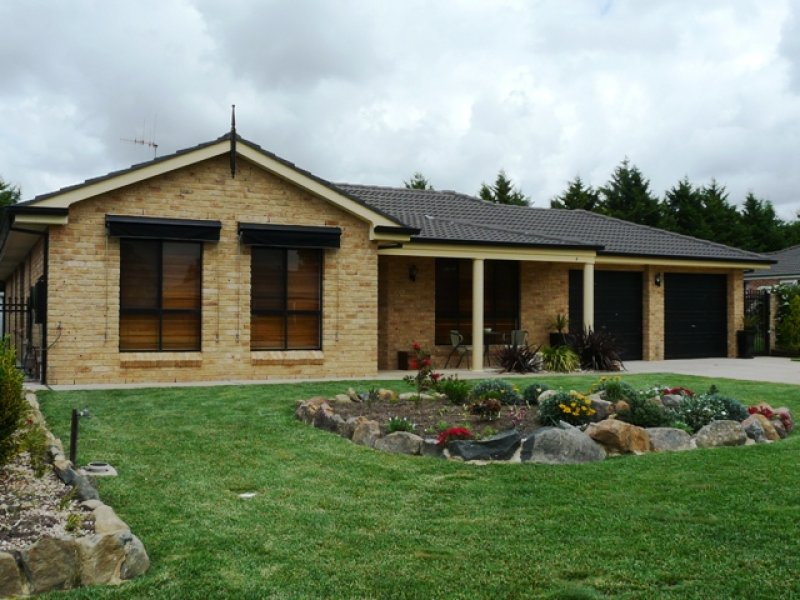 4 McCarthy Close, Eglinton, NSW 2795