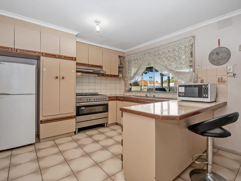 8 Gillespie Place, Epping, Vic 3076