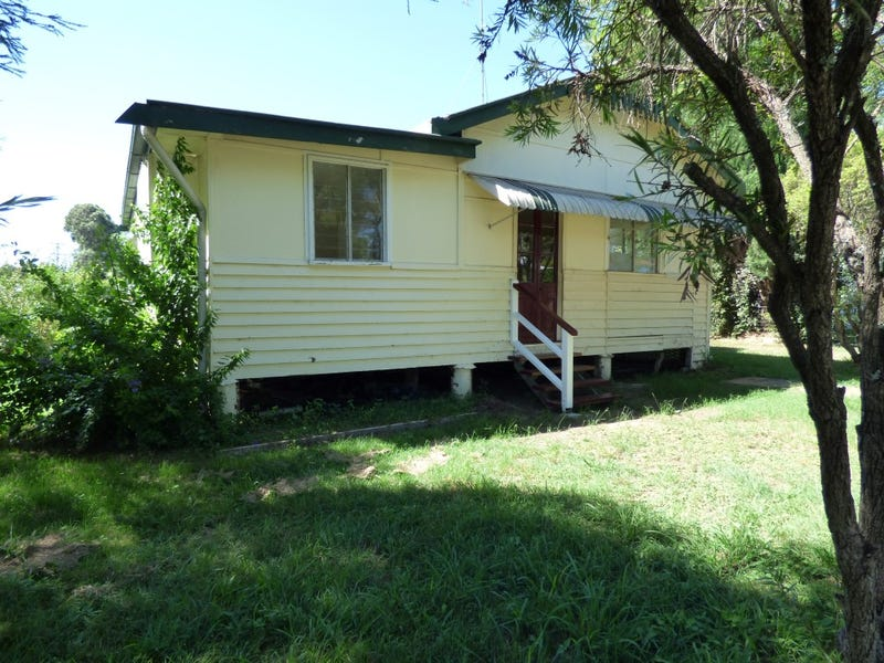 18 Thompson Street, Murgon, Qld 4605