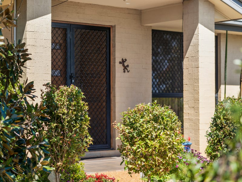 1 Prospect Terrace, Highfields, Qld 4352