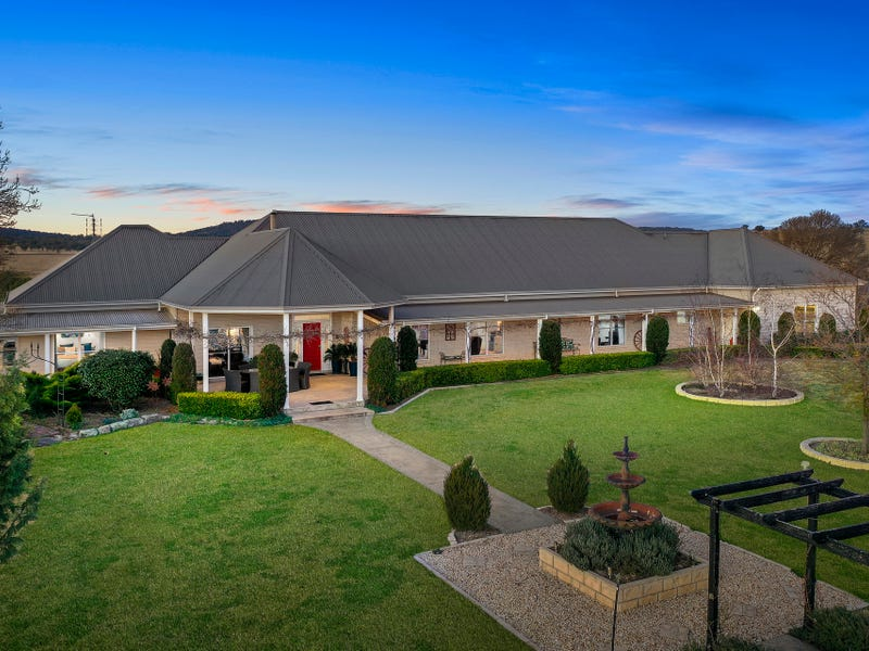 127 Surveyors Creek Road, Woolbrook, NSW 2354