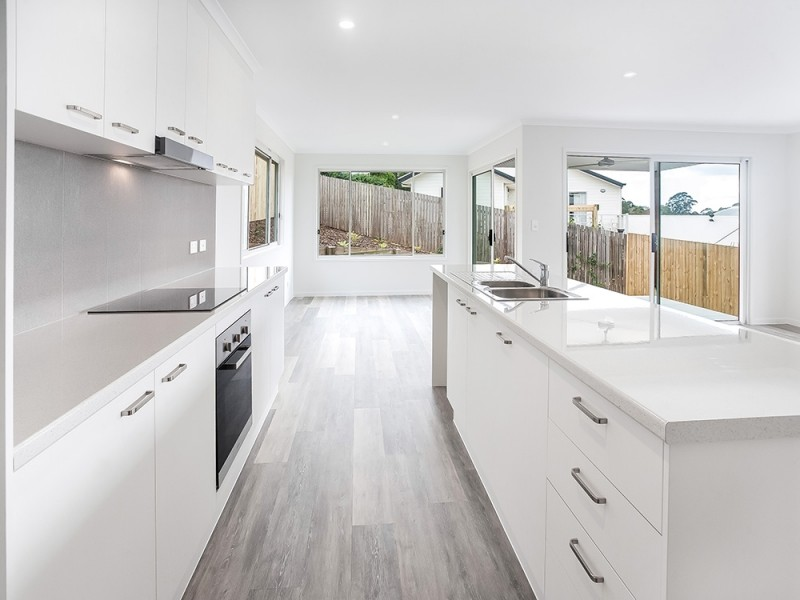 2/4 Fairview Court, Maleny