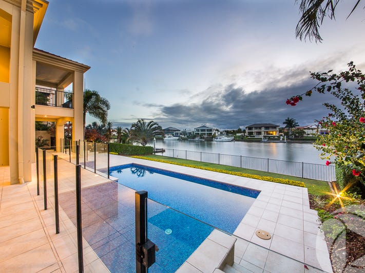 1670 Riverdale Drive, Hope Island, Qld 4212