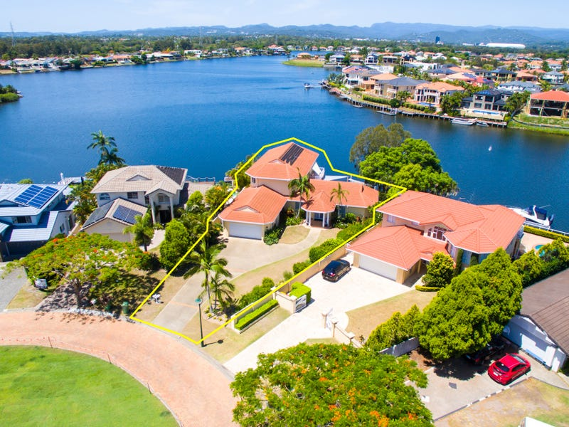 124 Port Jackson Boulevard, Clear Island Waters, Qld 4226