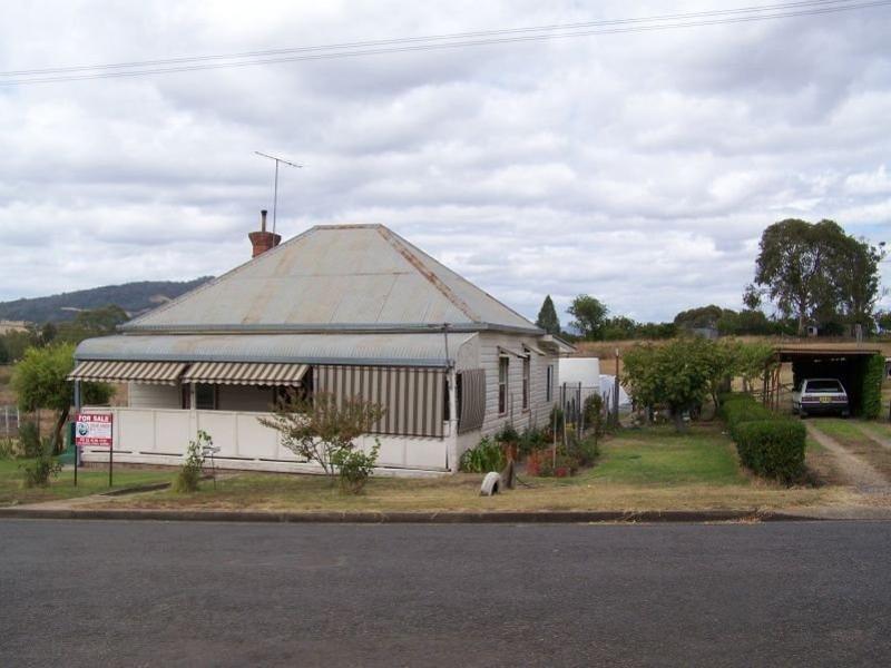 12 Bank Lane, Quirindi, NSW 2343