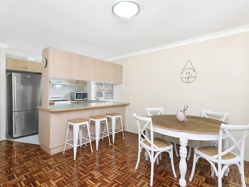 2 Oakwood Place, Hornsby Heights, NSW 2077