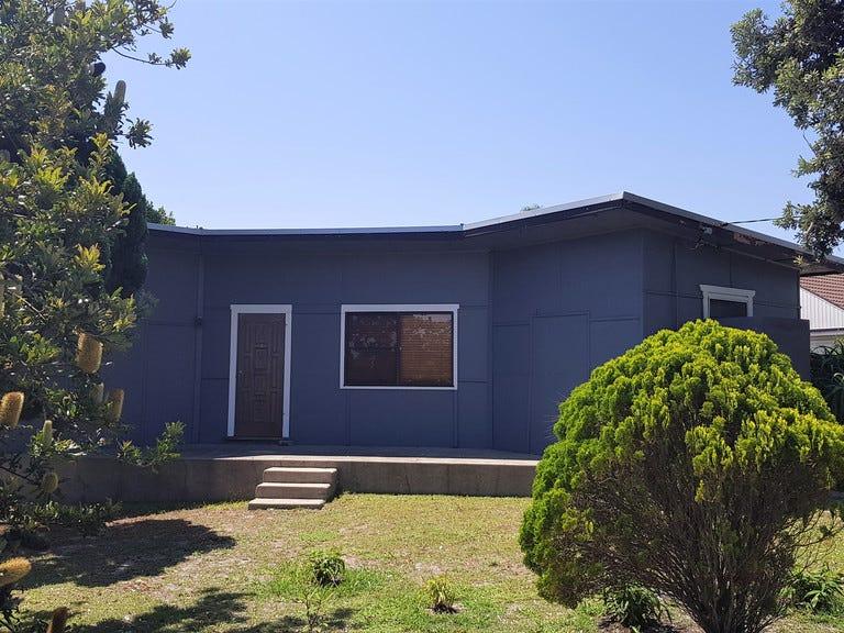 145 Budgewoi Road, Budgewoi, NSW 2262