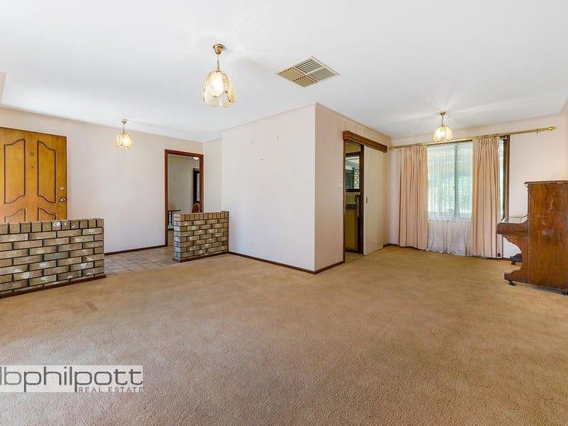 2 Navarino Court, Surrey Downs, SA 5126