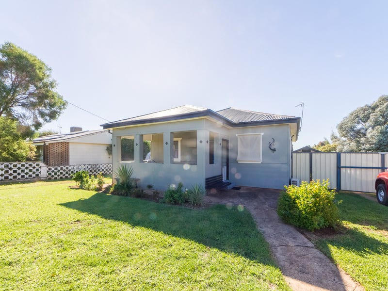 22 Hartley Street, Cowra, NSW 2794