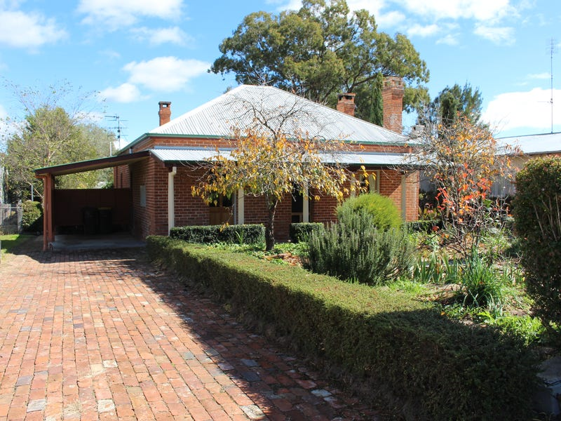 50 Wood Street, Tenterfield, NSW 2372