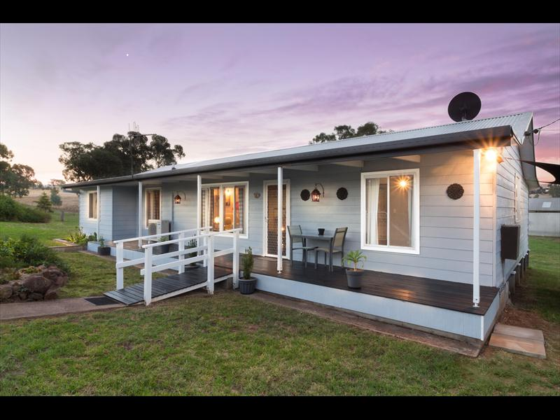 24 Barrack Street, Toogong, NSW 2864
