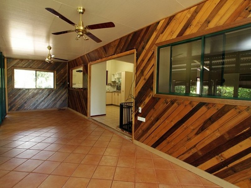 88R Russell Road, Lake Eacham, Qld 4884
