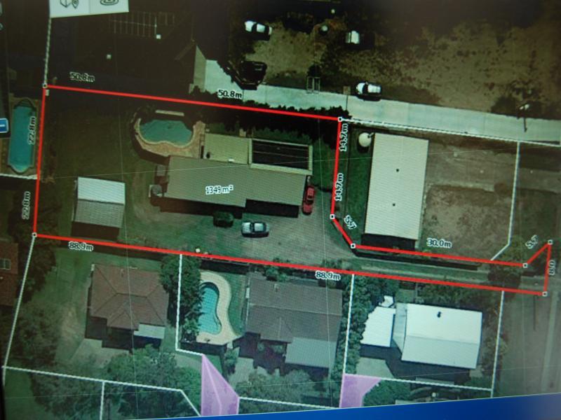 1376 Creek Road, Carina, Qld 4152