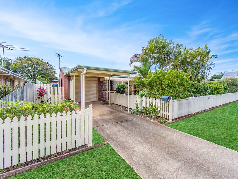 9 Brighton Street, Woody Point, Qld 4019