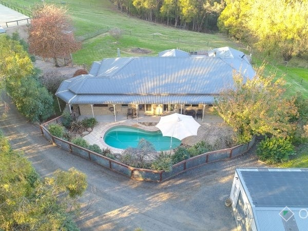 270 Bourkes Creek Road, Pakenham Upper, Vic 3810