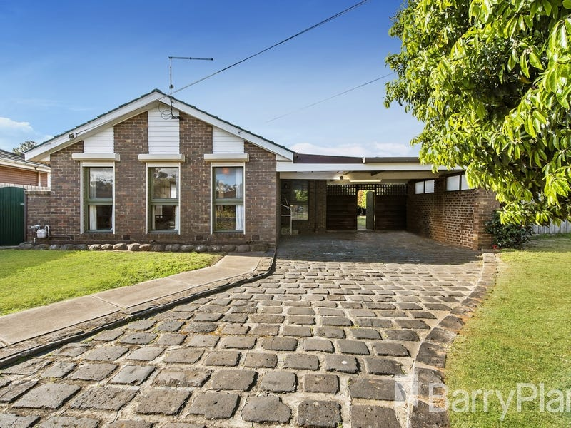 18 Barries Road, Melton, Vic 3337