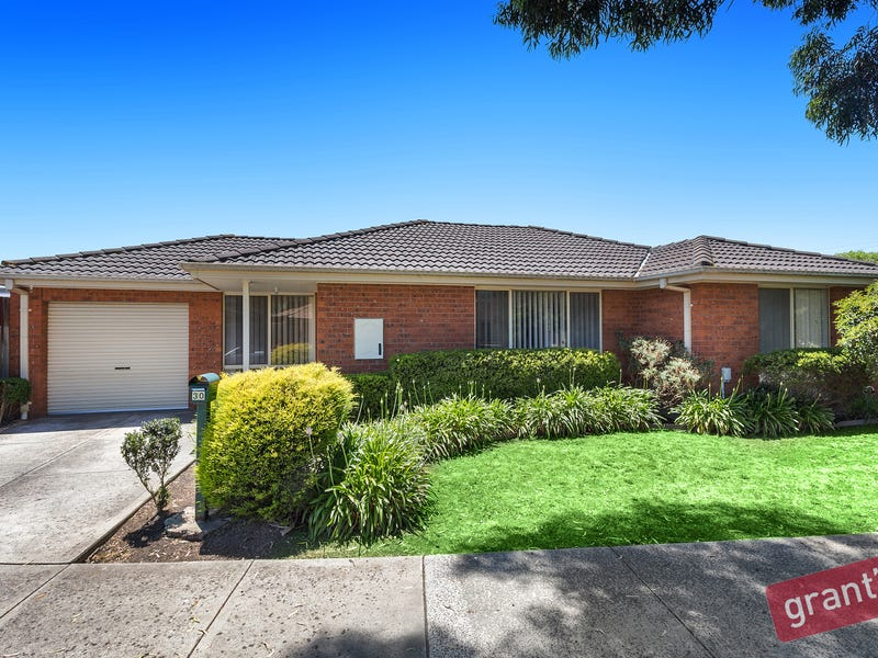 30 Linda Drive, Cranbourne West