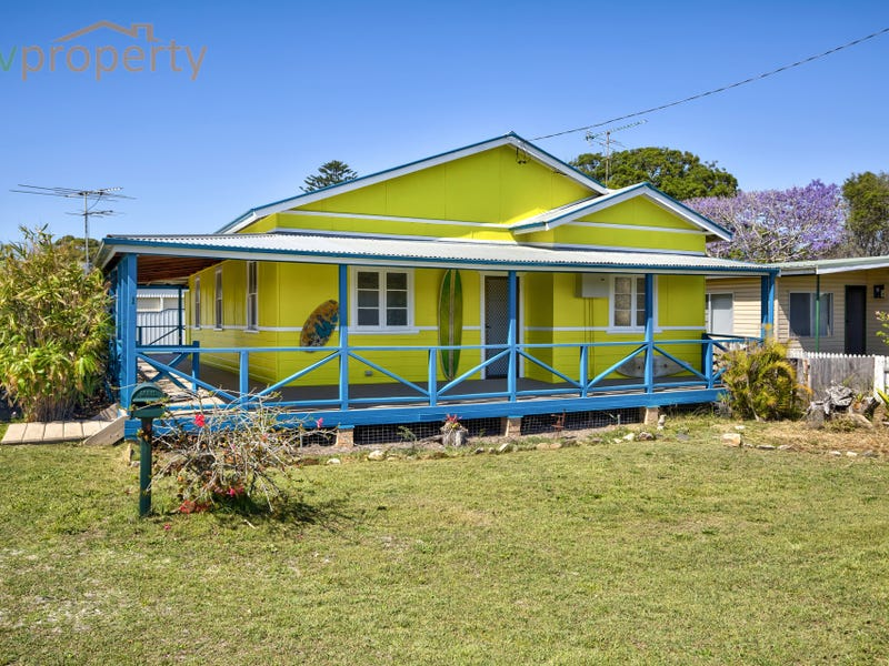 1 First Avenue, Stuarts Point, NSW 2441
