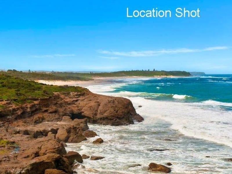 33 Caves Beach Road, Caves Beach, NSW 2281